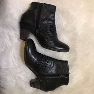Pikolinos Black Ankle Booties Like New